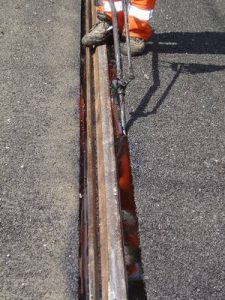 Bitumen alapú sínfej és aszfalt csatlakozás kialakítására használható anyagok